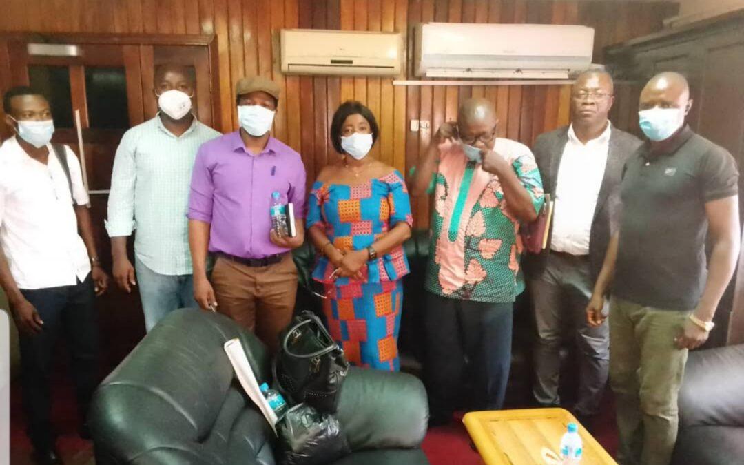 Faire face à la COVID-19 : les ONG de Sierra Leone créent et inaugurent le groupe de travail sur la responsabilité financière